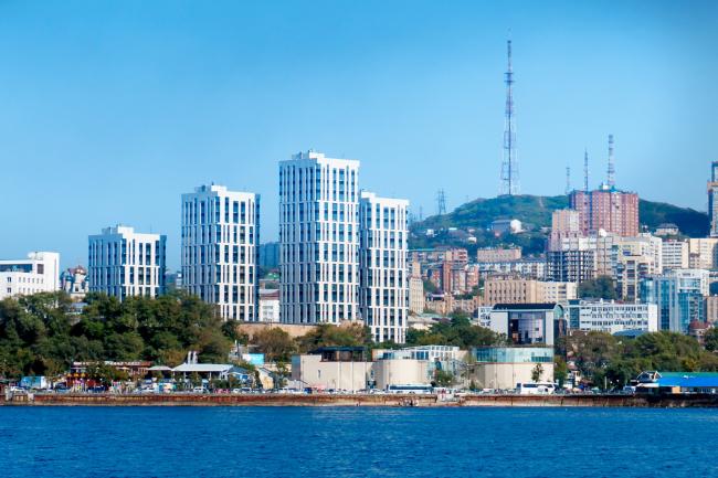 Вид на ЖК «Маринист» со стороны моря. Жилой комплекс бизнес-класса «Маринист»