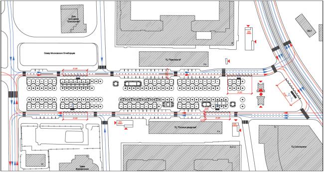 Первоначальная транспортная схема, с меньшим количеством парковок и остановками общественного транспорта на внутреннем контуре площади. Сокольническая площадь
