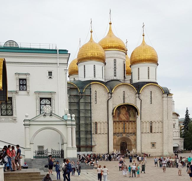 Успенский собор Московского Кремля. Реставрируется архитекторами ЦНРПМ (фотография 08.2018)