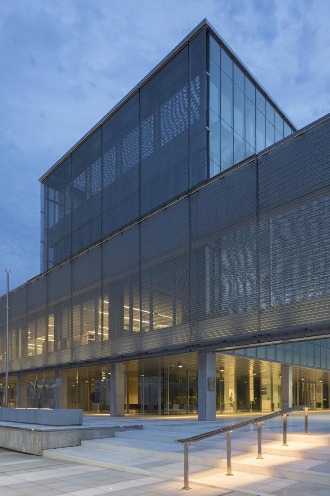 Здание Латиноамериканского банка развития CAF