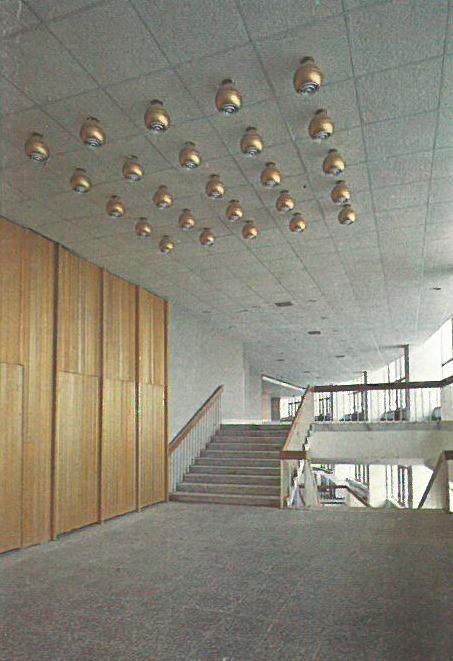 Фойе 4-го этажа. Спортивно-концертный комплекс «Петербургский»