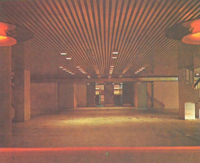 Фойе цокольного этажа. Спортивно-концертный комплекс «Петербургский»