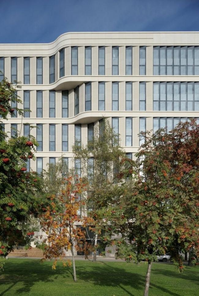 Офисное здание на Ленинском проспекте