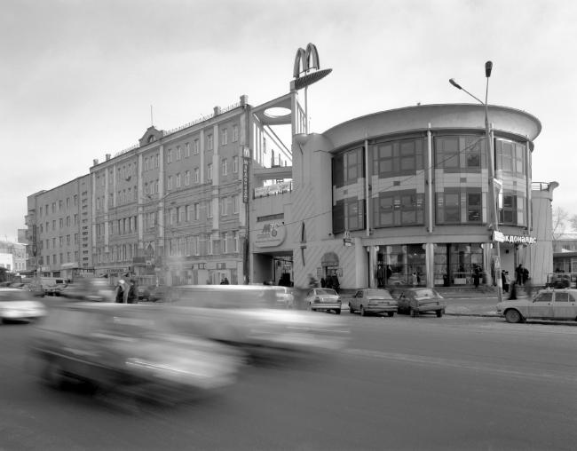 Макдоналдс на площади Революции © Творческая мастерская Харитонова и Пестова