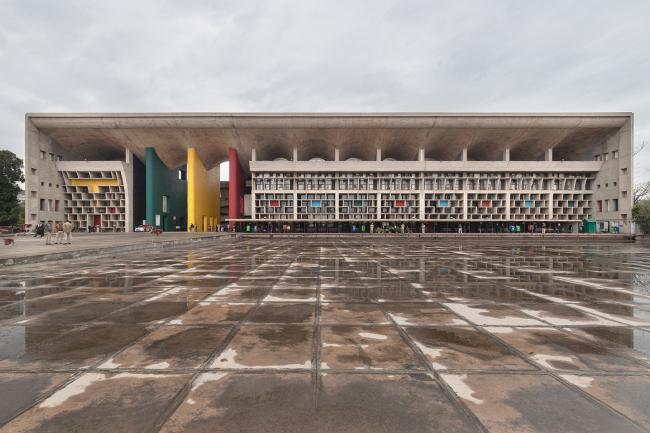 Здание Верховного суда. Ле Корбюзье. 1951–1957