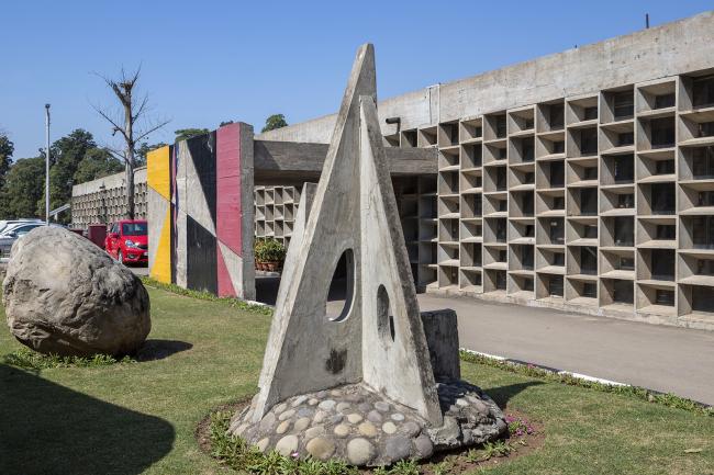 Чандигархская школа архитектуры. Ле Корбюзье, Адитья Пракаш. 1961
