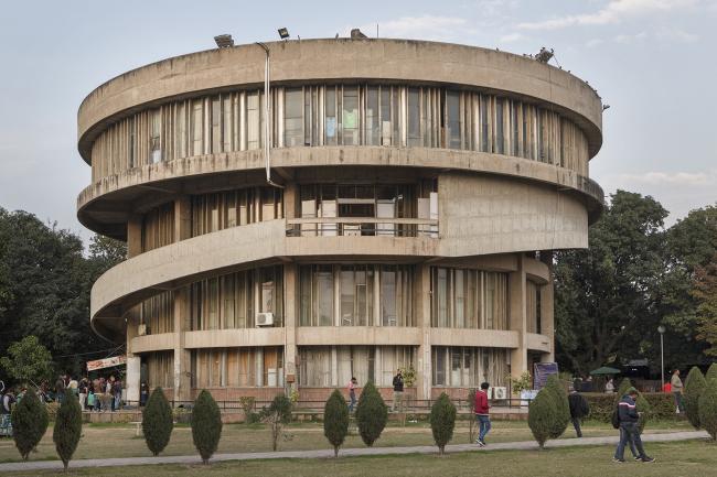 Студенческий центр Пенджабского университета. Бхану Матхур. 1975