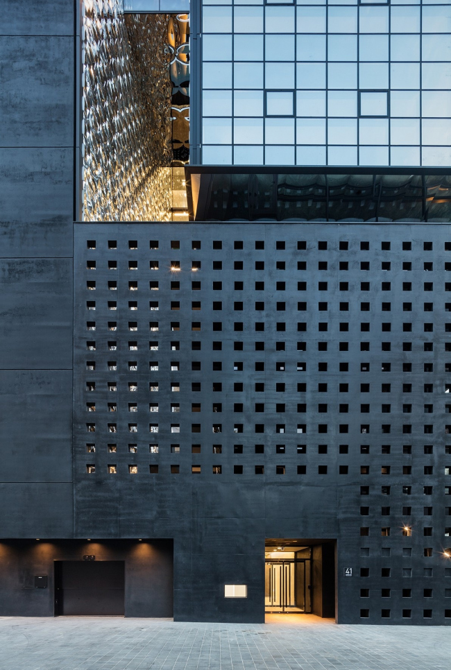 Офисное здание The Illusion
