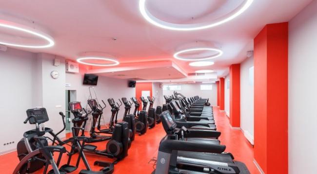 Профиль ARC и светодиодные ленты Arlight. Фитнес-клуб World Class Пресня, Москва