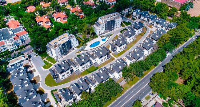 Вид сверху. Комплекс апартаментов и таунхаусов FELLINI