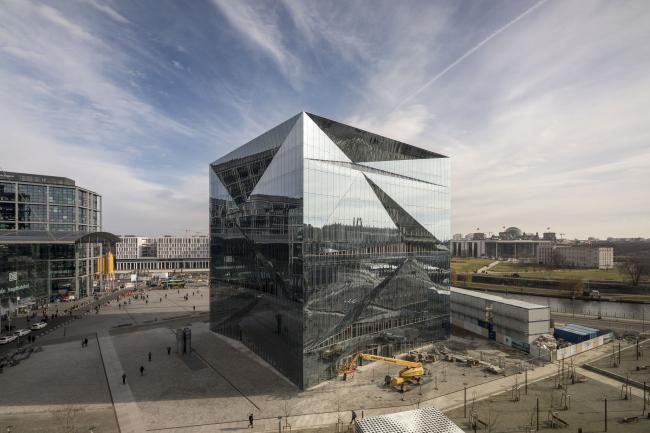 Офисное здание cube berlin