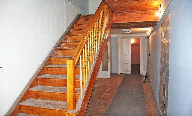 Проект реставрации усадьбы А.П. Сытина. Центральная лестница. Фото до начала реставрации 2016 год