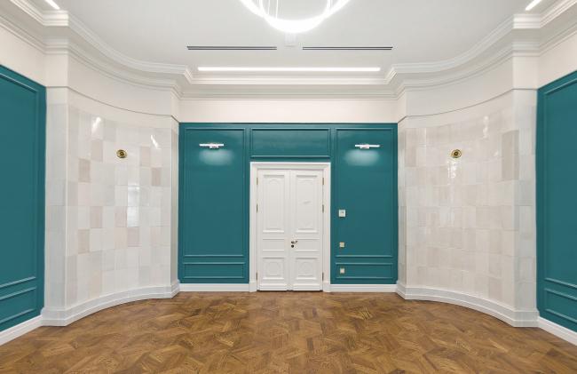 Проект реставрации усадьбы А.П. Сытина. Интерьер центрального помещения первого этажа. Фото после реставрации 2019 год