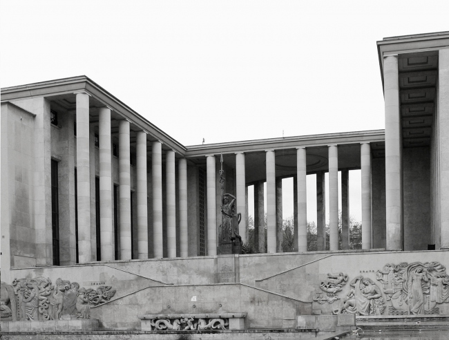 Музей современного искусства в Париже, арх. А. Обер, М. Дастюг, 1937
