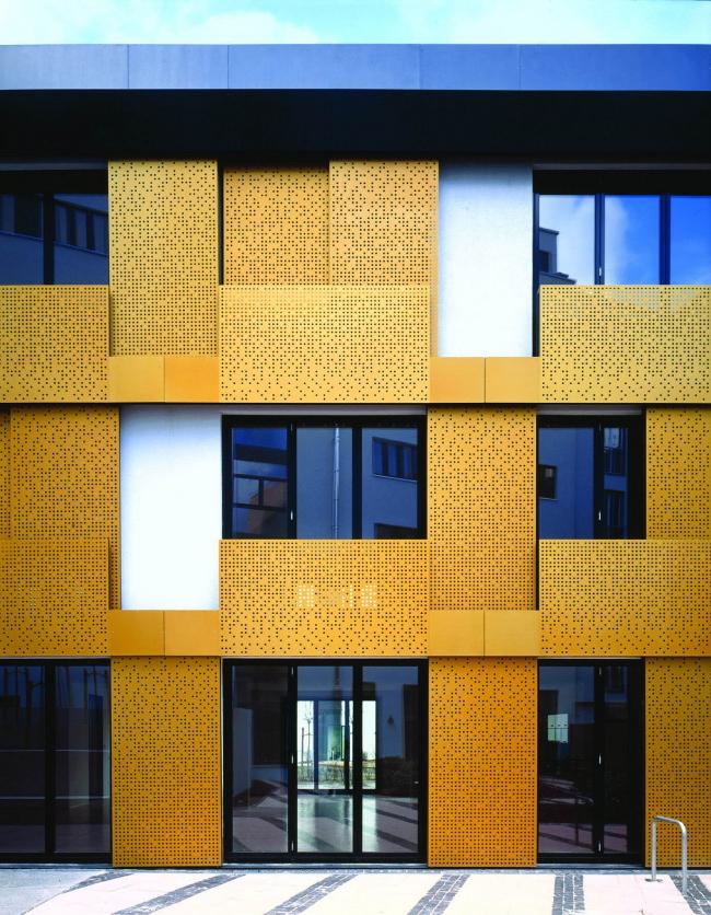 Фасад корпуса лофтов в комплексе «Кронпринценкарре» в Берлине