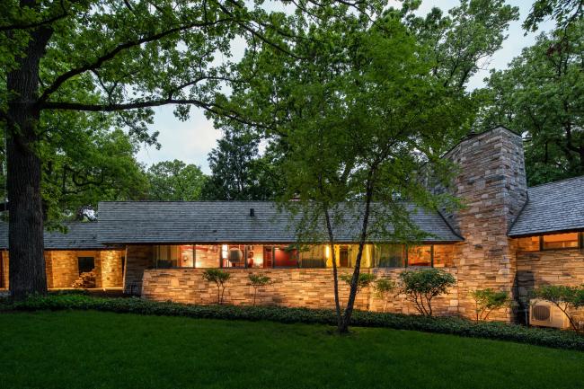«Дом Нилсов» в Миннеаполисе, спроектирован Ф.Л.Райтом