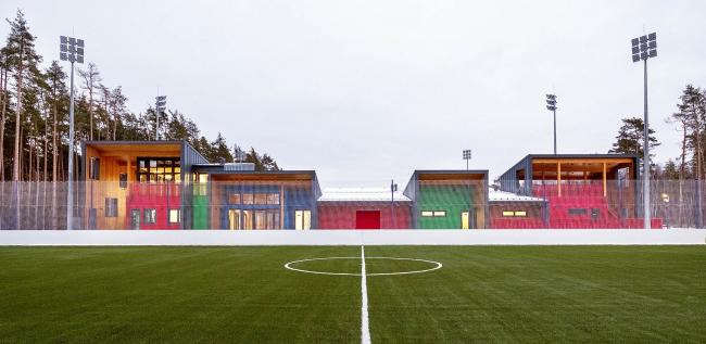 Многофункциональный павильон при футбольных полях.  Московская область