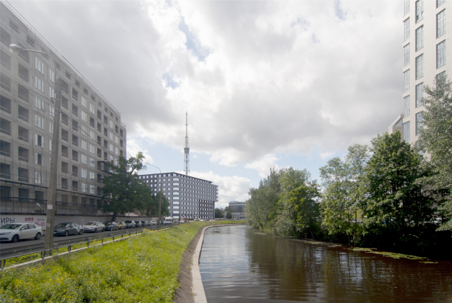Вид по Черной речке от Красногвардейского пер. Жилой дом на набережной Черной речки и Большой Невки