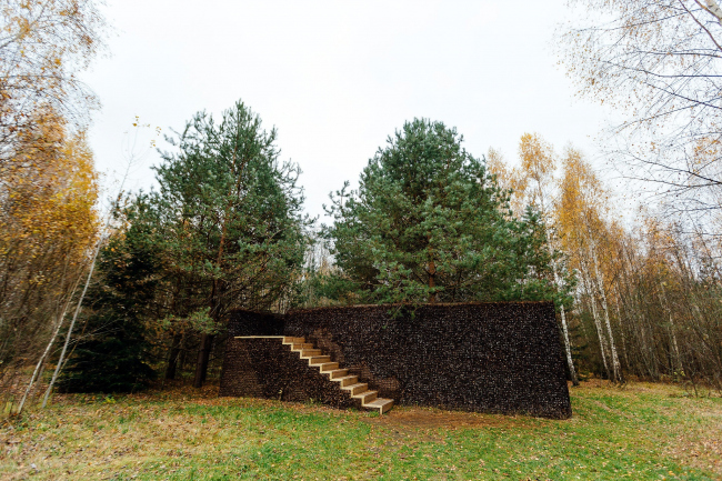 «Павильон шишек» Адриана Гезе, арт-парк Никола-Ленивец, 2007