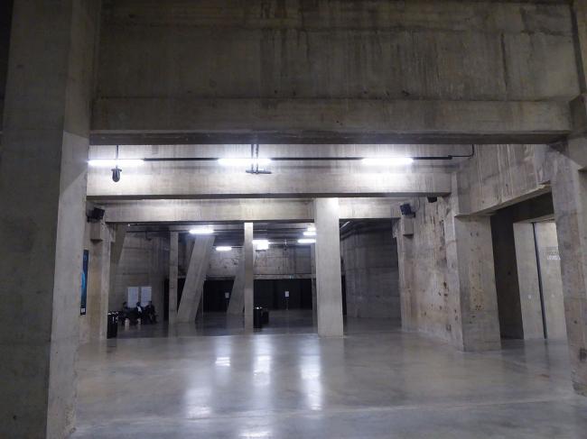 Корпус Блаватник-билдинг (бывший Switch House) Галереи Тейт Модерн. Выставочный зал «Цистерны»