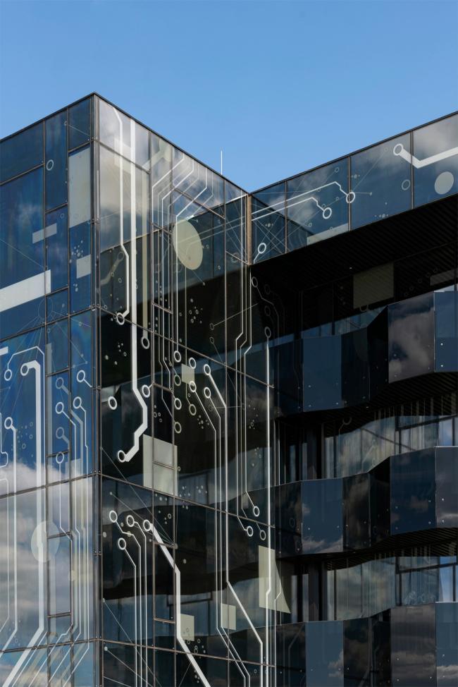 Фрагмент остекления фасада. Научно-технический центр ПАО «Татнефть»