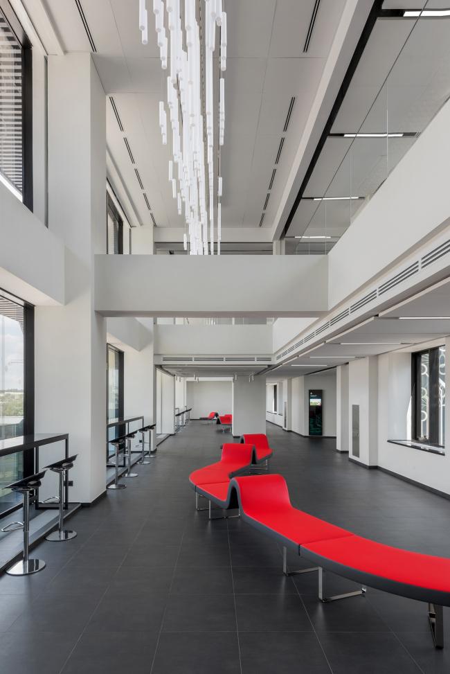 Вестибюль 3-го этажа. Двусветное пространство.Научно-технический центр ПАО «Татнефть»