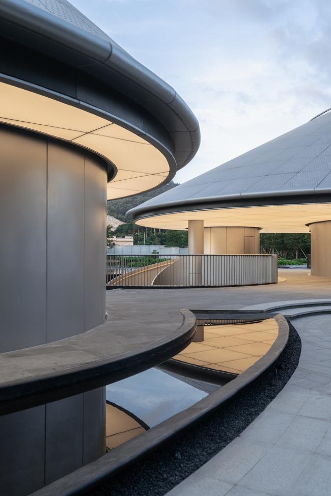 Выставочный центр традиционной китайской медицины «Алюминиевая гора»