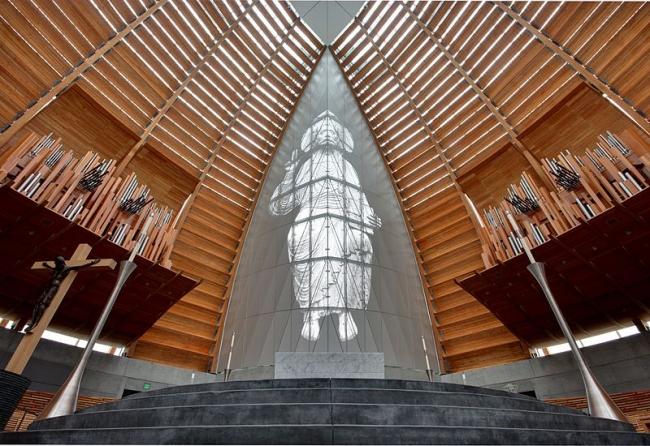 Собор Христа Светоча. Фото: Joe Parks via Wikimedia Commons. Лицензия CC-BY-2.0