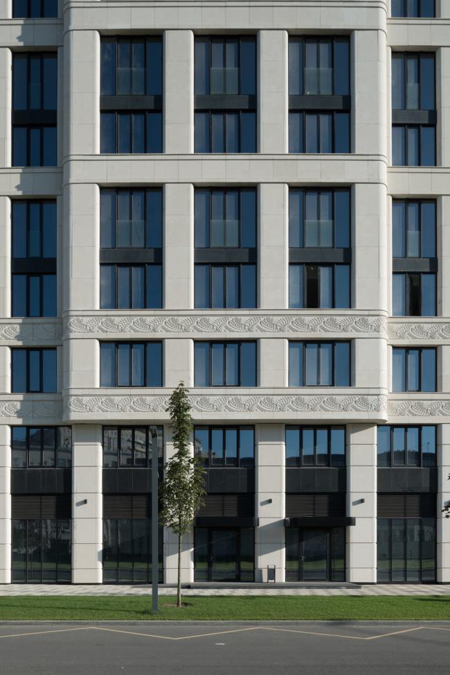 Многофункциональный комплекс «ВТБ Арена Парк», двор жилого комплекса