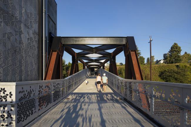 Пешеходный мост в Эверетте, штат Вашингтон
