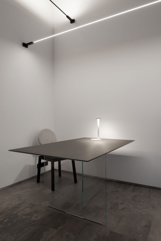 Второй зал. Рабочее место. Шоурум Crane Design