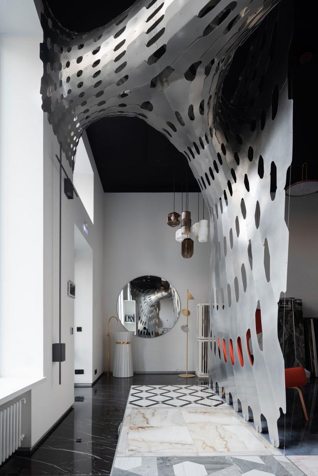 Первый зал. Шоурум Crane Design