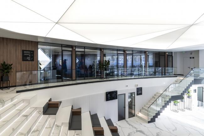 Второй этаж, взгляд со стороны амфитеатра. Офис продаж ЖК «Переделкино ближнее»