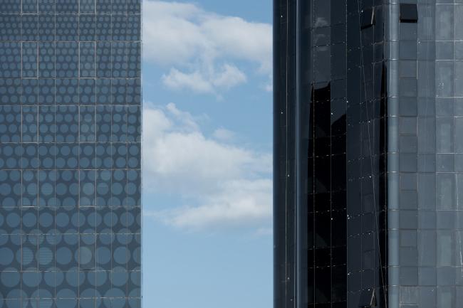 Фрагмент остекления 15 этажной Башни и 12 этажного офисного здания. Комплекс ПАО «Татнефть»