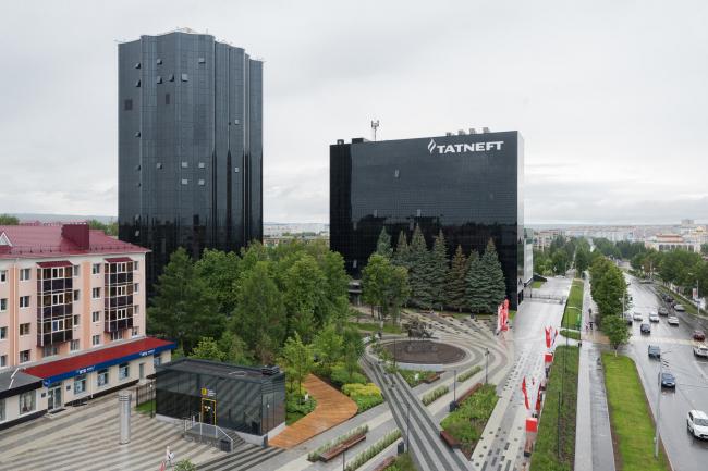 Вид с квадрокоптера на штаб-квартиру ПАО «Татнефть». Комплекс ПАО «Татнефть»