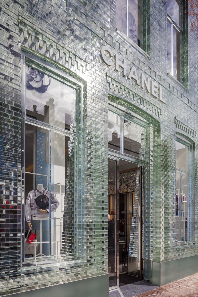 Магазин Crystal Houses в 2016. Арендатор – Chanel
