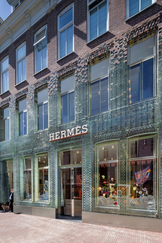 Магазин Crystal Houses в 2019. Арендатор – Hermès