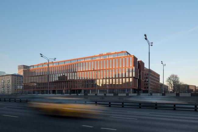 БЦ Alcon II на Ленинградском проспекте /  ADM architects