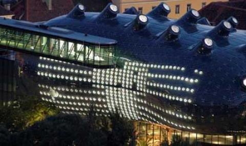 Выставочный зал «Кунстхаус» в Граце (2003, арх. Питер Кук, Колин Фурнье) – один из первых «героев» раздела зарубежных новостей