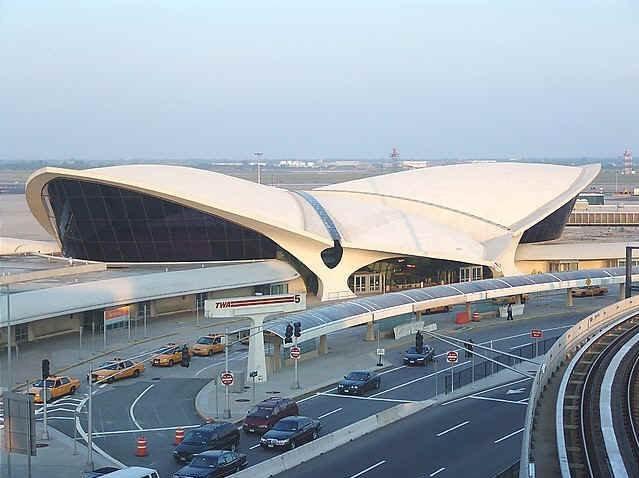 Эро Сааринен. Терминал TWA Аэропорта Кеннеди. Нью-Йорк. 1962