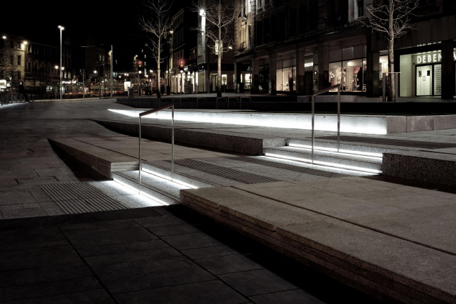 Площадь Олд-Маркет-Сквер. Фотография © Martine Hamilton Knight