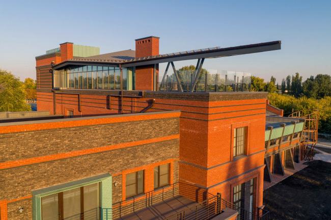 Rooftop House ORIGAMI. Реновация заброшенной фабрики под частный жилой комплекс для компании «АМИЛКО» в городе Миллерово