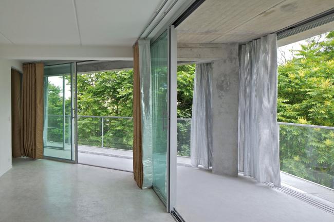 Комплекс социального жилья и общежитие для студентов Урк-Жорес в Париже. 2013
