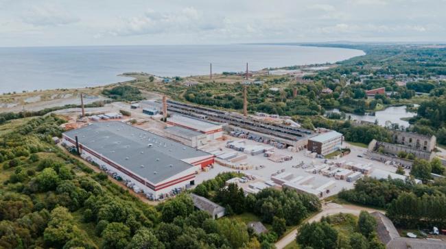 Завод в Азери