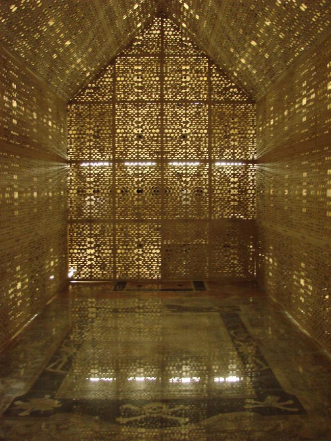 РодДом изнутри. Сооружение поставлено над могилой дожа Мочениго