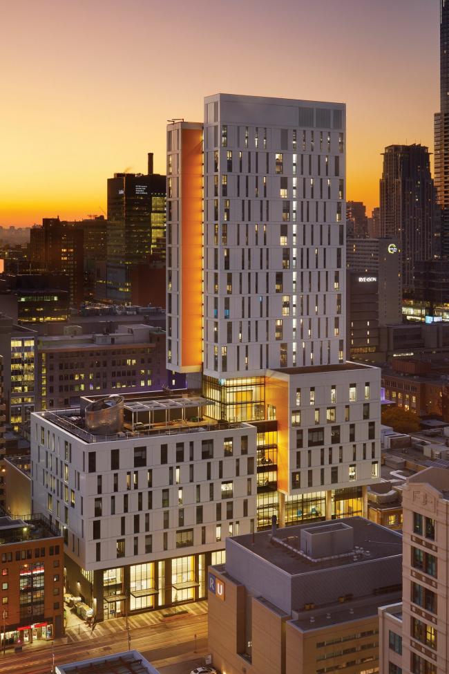 Университет Райерсона, комплекс Дафны Коквелл / Торонто, Канада