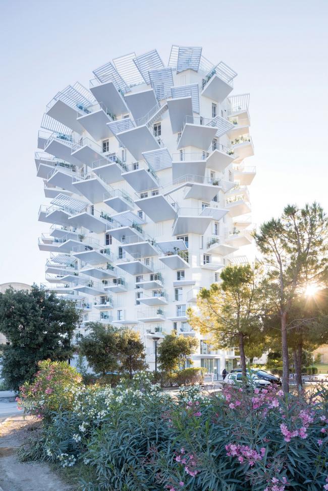 Многофункциональная башня White Tree
