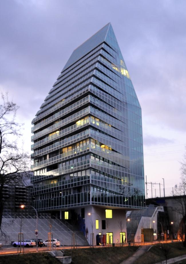 Башня St. Jakob-Turm. Фото: Wladyslaw via Wikimedia Commons. Лицензия  GNU Free Documentation License, Version 1.2
