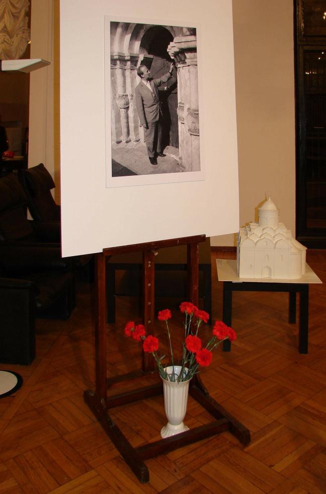 Выставка в ЦДА. Фотографии Ю.Тарабариной и Н.Вышинской