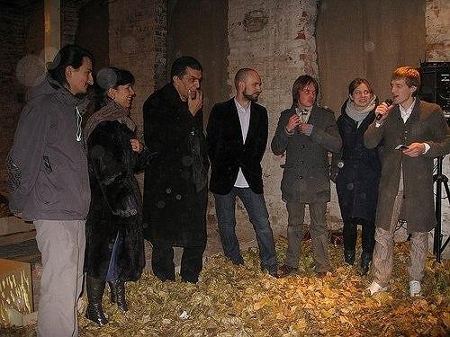 Участники выставки и директор Музея архитектуры Давид Саркисян. Фото Марии Седовой